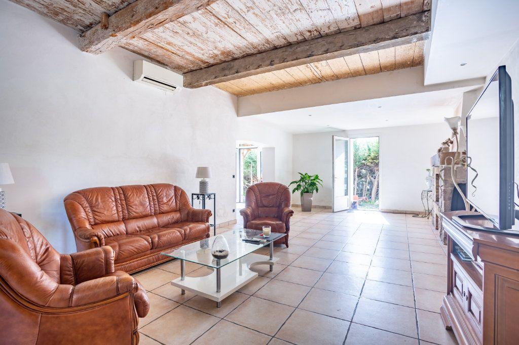 Maison à vendre 7 236m2 à Fréjus vignette-3