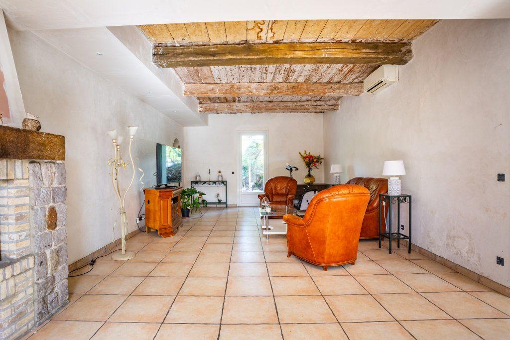Maison à vendre 7 236m2 à Fréjus vignette-6