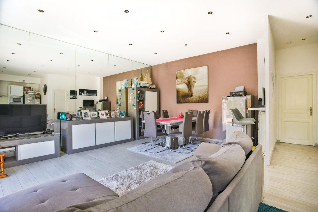 Appartement à vendre 3 65.9m2 à Mandelieu-la-Napoule vignette-4
