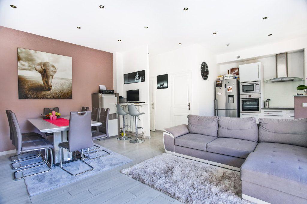 Appartement à vendre 3 65.9m2 à Mandelieu-la-Napoule vignette-6