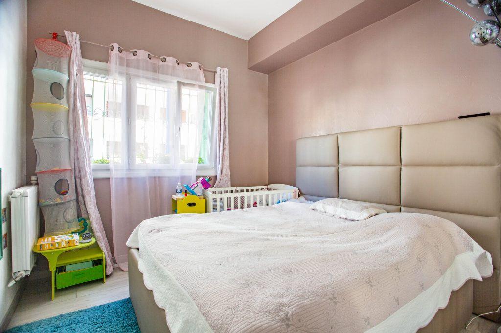 Appartement à vendre 3 65.9m2 à Mandelieu-la-Napoule vignette-9