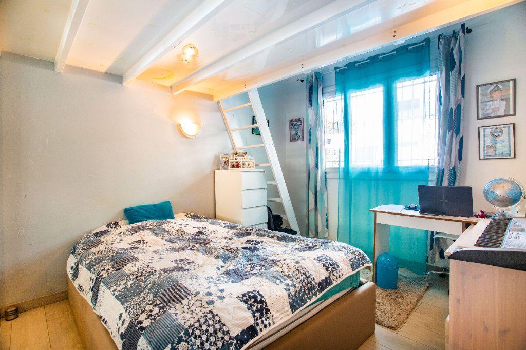 Appartement à vendre 3 65.9m2 à Mandelieu-la-Napoule vignette-10