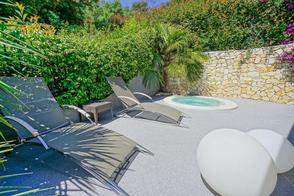 Appartement à vendre 4 160.07m2 à Mandelieu-la-Napoule vignette-4