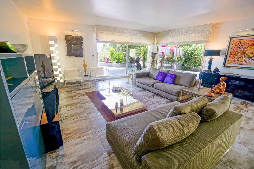 Appartement à vendre 4 160.07m2 à Mandelieu-la-Napoule vignette-7