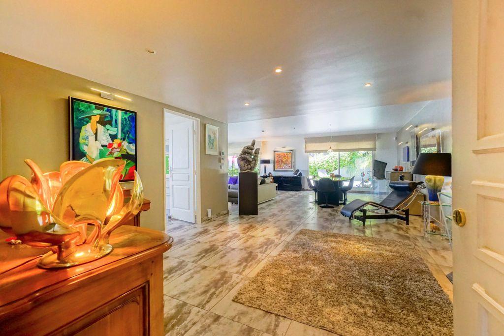 Appartement à vendre 4 160.07m2 à Mandelieu-la-Napoule vignette-9