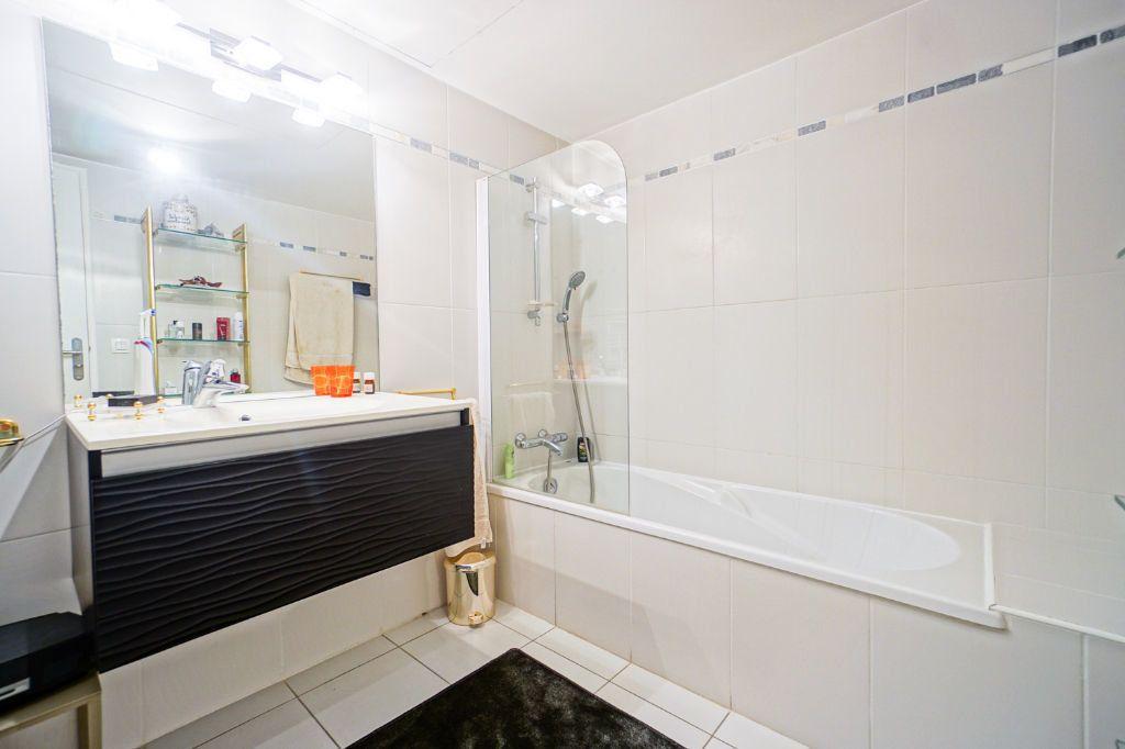Appartement à vendre 4 160.07m2 à Mandelieu-la-Napoule vignette-12