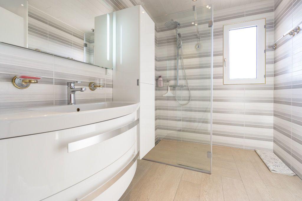 Appartement à vendre 3 80.11m2 à Mandelieu-la-Napoule vignette-9