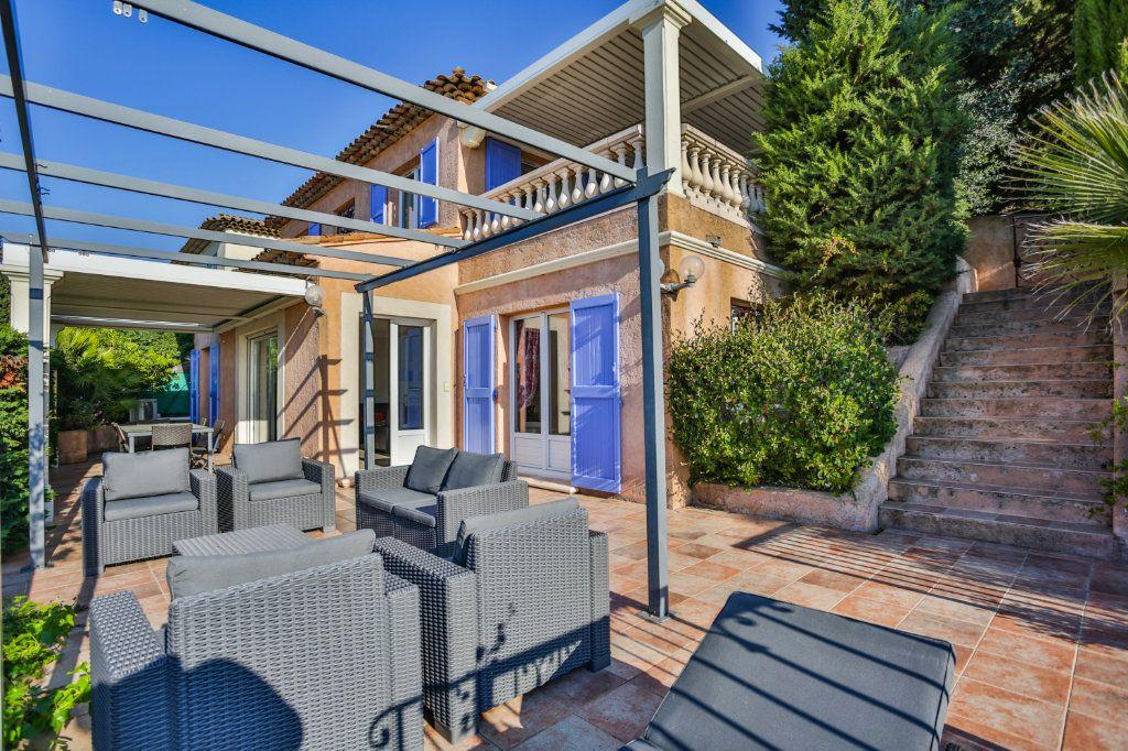 Maison à vendre 4 116.5m2 à Mandelieu-la-Napoule vignette-2