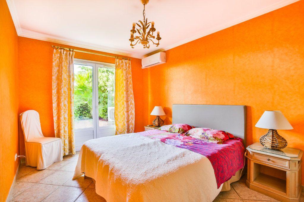 Maison à vendre 4 116.5m2 à Mandelieu-la-Napoule vignette-7