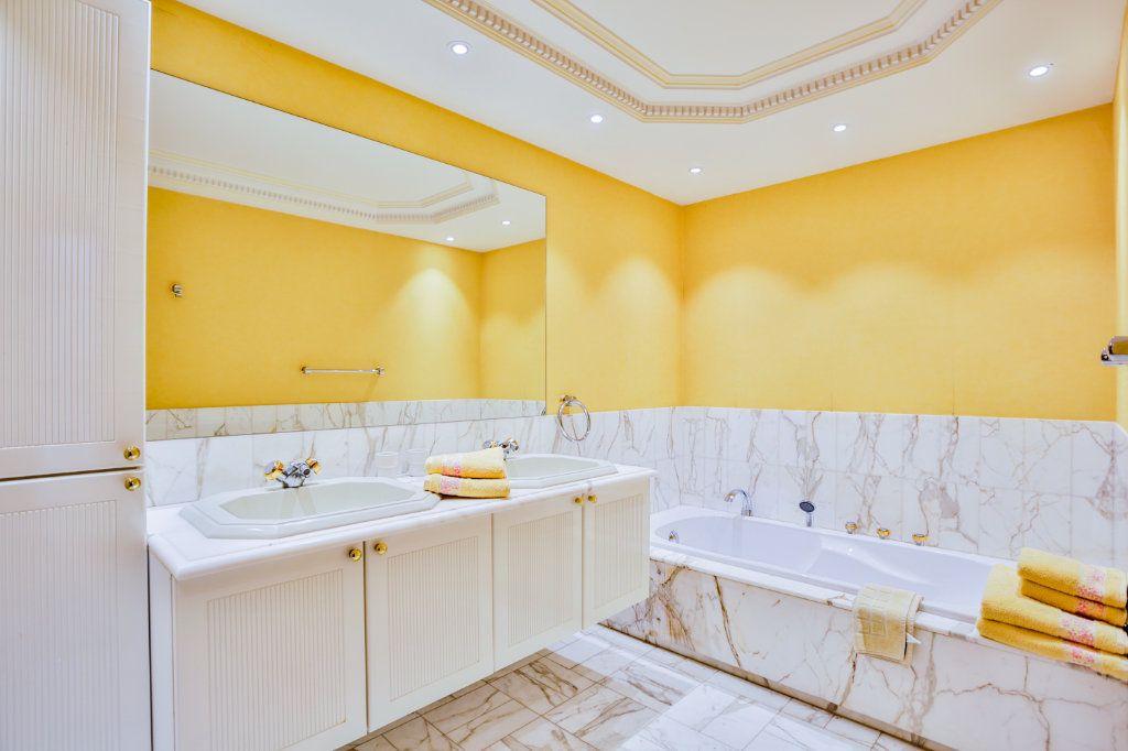 Maison à vendre 4 116.5m2 à Mandelieu-la-Napoule vignette-8