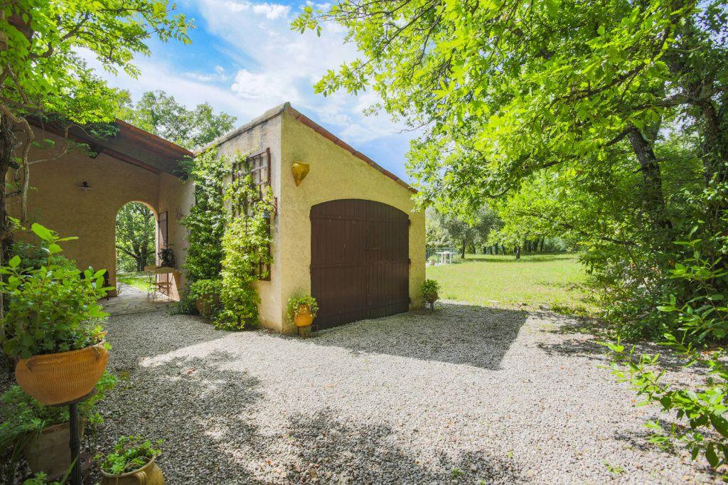 Maison à vendre 4 146m2 à Fayence vignette-3