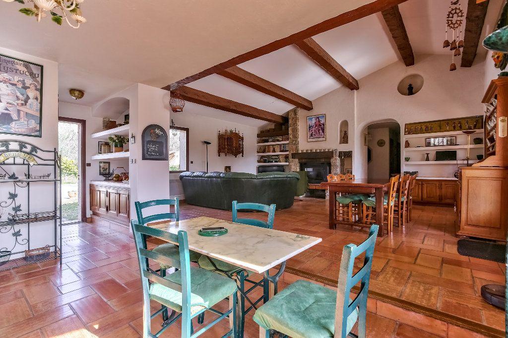 Maison à vendre 4 146m2 à Fayence vignette-9