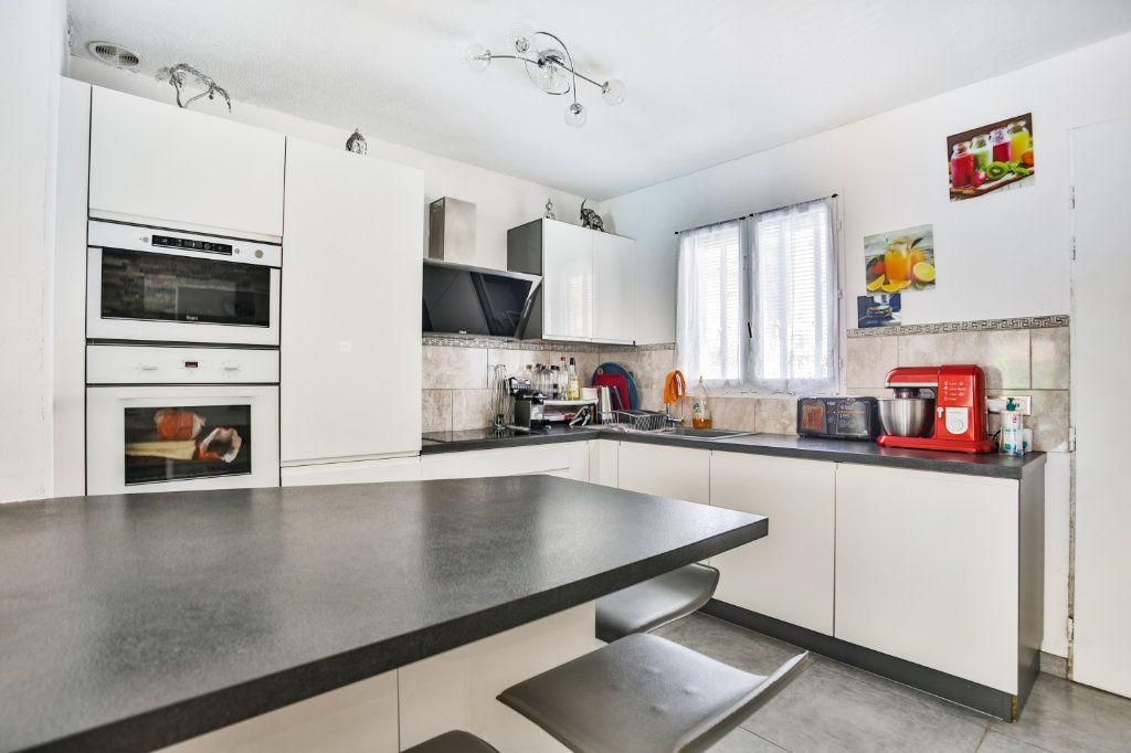 Maison à vendre 4 90.04m2 à Auribeau-sur-Siagne vignette-9