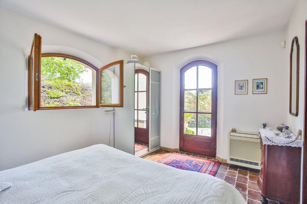 Maison à vendre 6 155m2 à Tourrettes vignette-5
