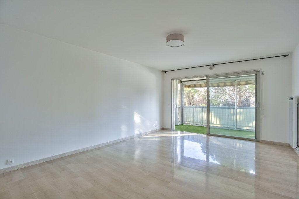 Appartement à vendre 3 68.02m2 à Mandelieu-la-Napoule vignette-2