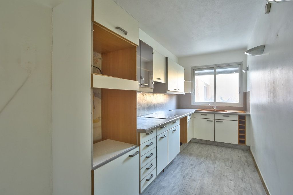 Appartement à vendre 3 68.02m2 à Mandelieu-la-Napoule vignette-4