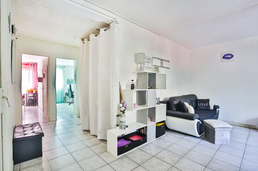 Appartement à vendre 3 58.17m2 à Mandelieu-la-Napoule vignette-2