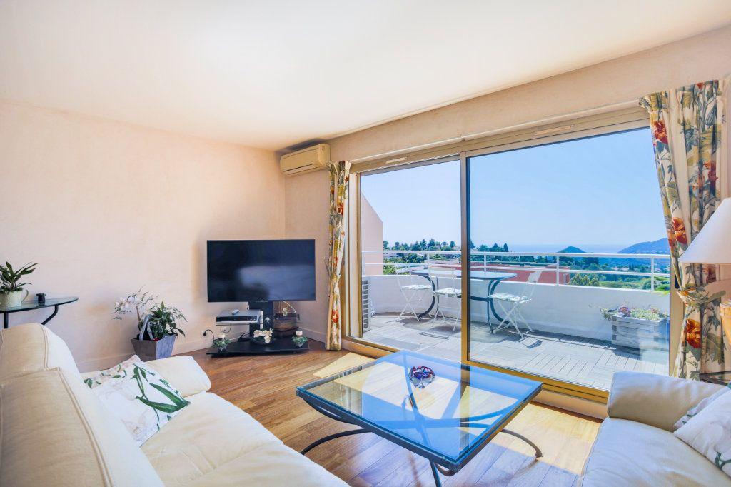 Appartement à vendre 3 70.49m2 à Mandelieu-la-Napoule vignette-1