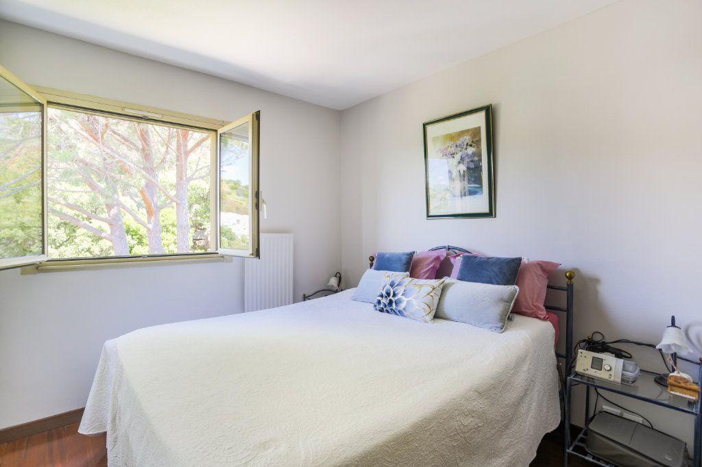 Appartement à vendre 3 70.49m2 à Mandelieu-la-Napoule vignette-5