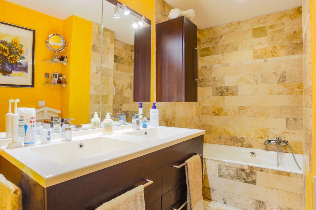 Appartement à vendre 3 70.49m2 à Mandelieu-la-Napoule vignette-7