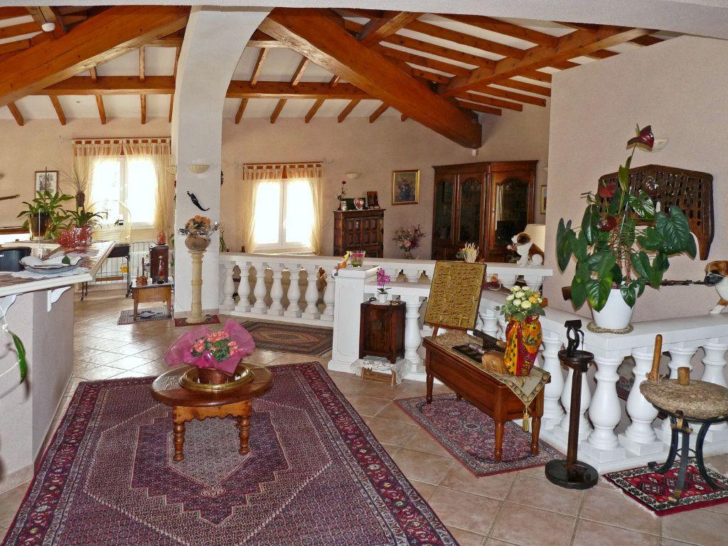 Maison à vendre 7 340m2 à Bagnols-en-Forêt vignette-4