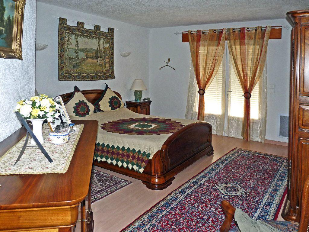 Maison à vendre 7 340m2 à Bagnols-en-Forêt vignette-6