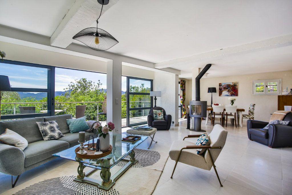 Maison à vendre 4 127m2 à Mandelieu-la-Napoule vignette-1