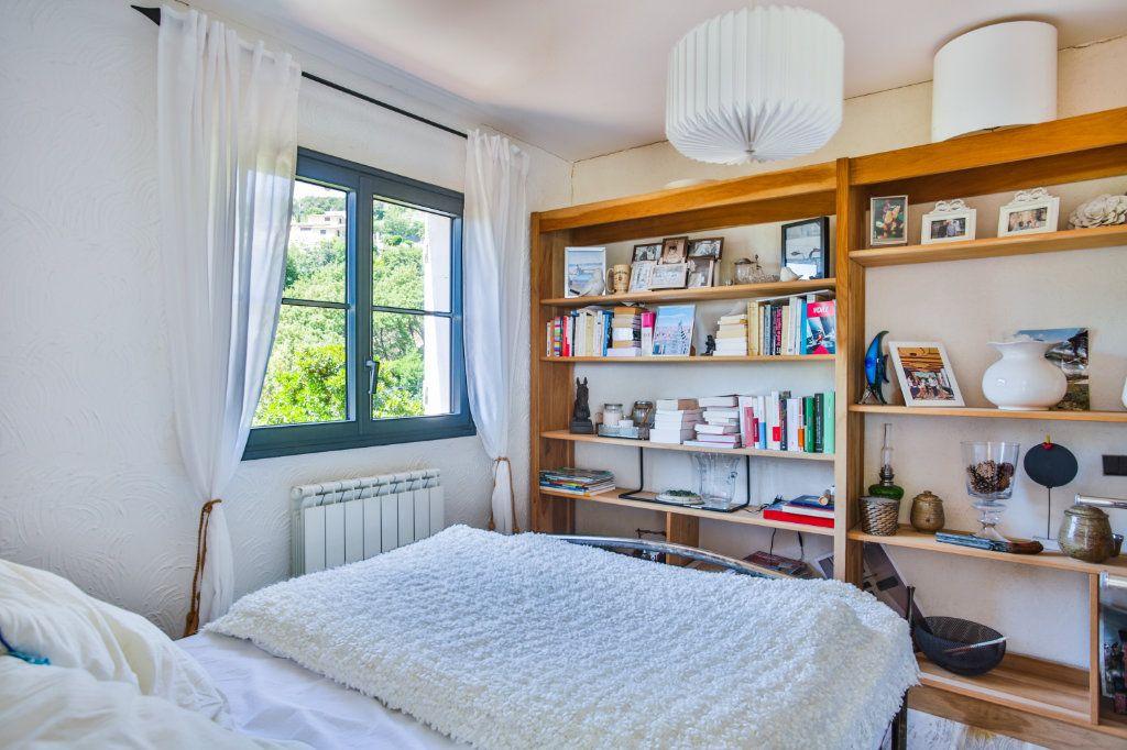 Maison à vendre 4 127m2 à Mandelieu-la-Napoule vignette-6