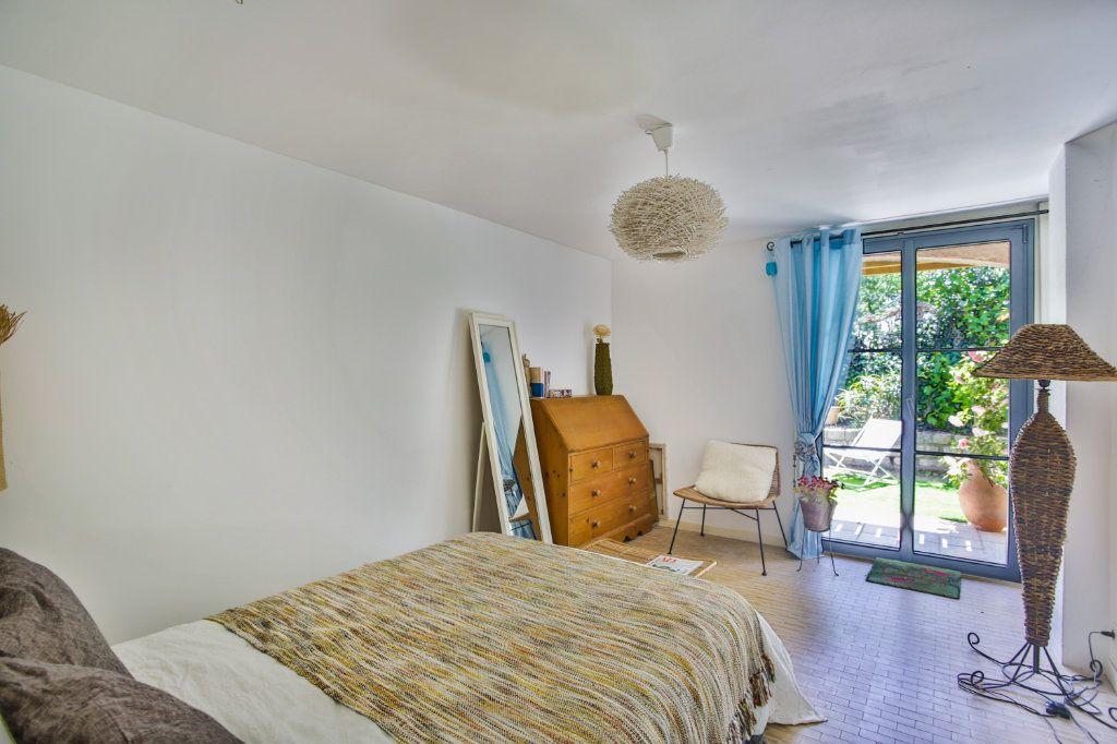 Maison à vendre 4 127m2 à Mandelieu-la-Napoule vignette-7