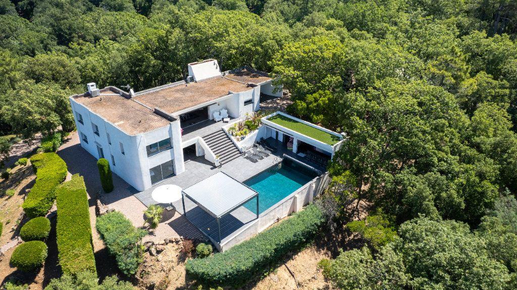 Maison à vendre 8 349.26m2 à Fréjus vignette-1