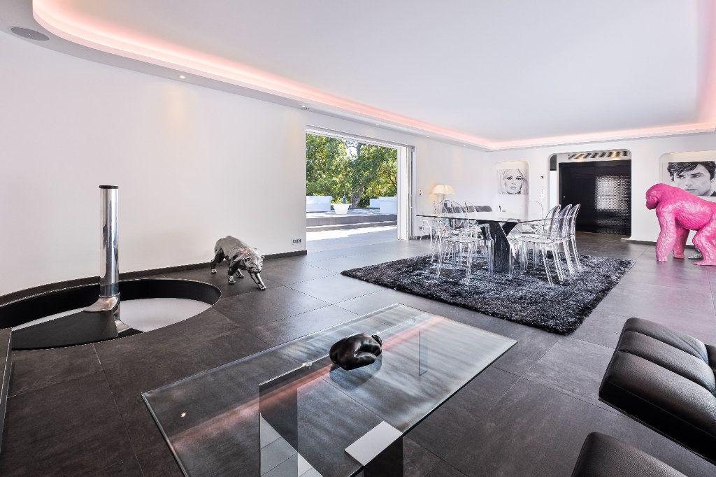 Maison à vendre 8 349.26m2 à Fréjus vignette-4