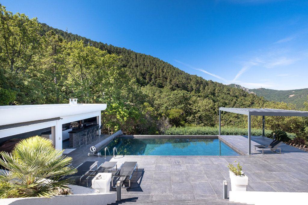 Maison à vendre 8 349.26m2 à Fréjus vignette-10