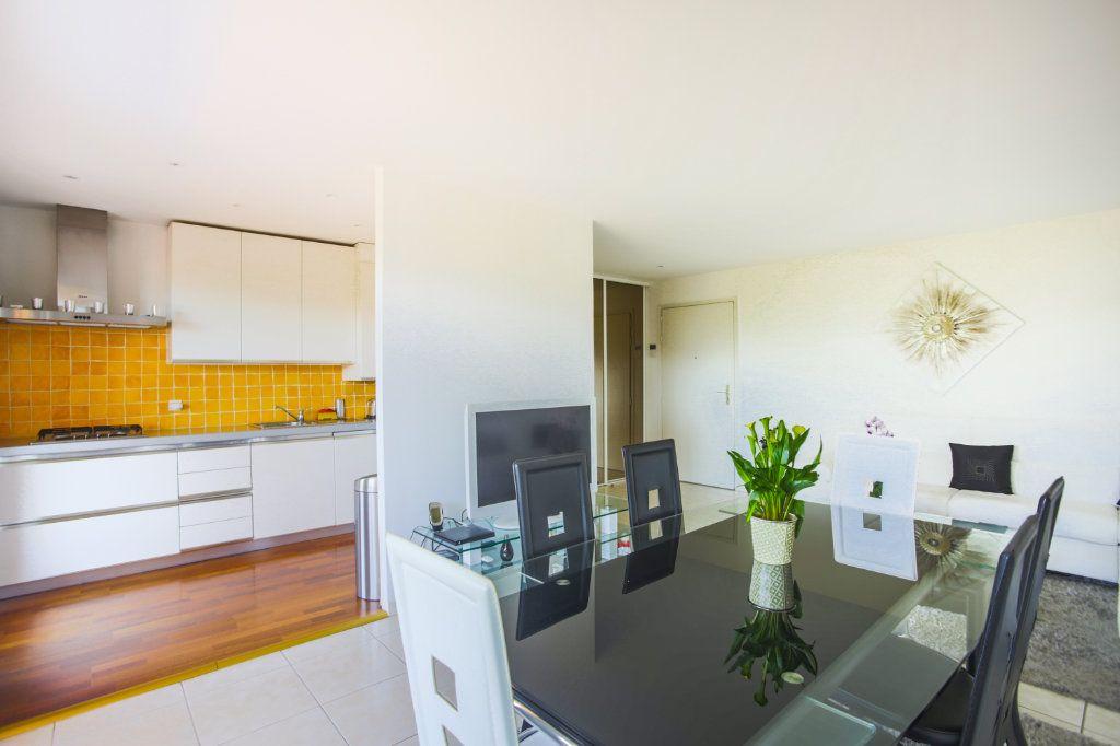 Appartement à vendre 3 68.97m2 à Mandelieu-la-Napoule vignette-3