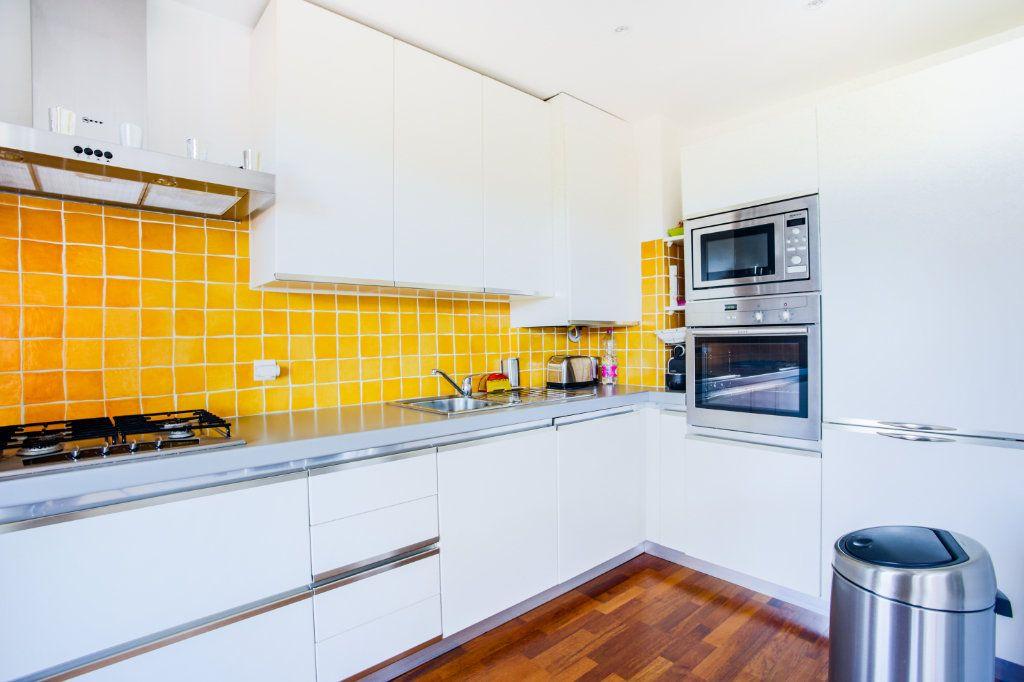 Appartement à vendre 3 68.97m2 à Mandelieu-la-Napoule vignette-4