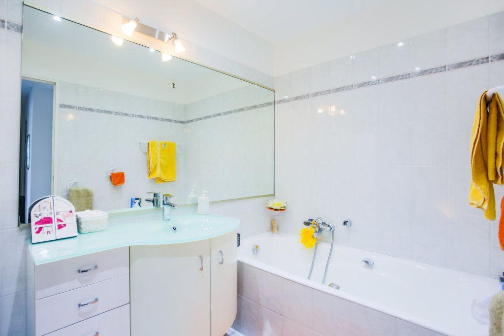 Appartement à vendre 3 68.97m2 à Mandelieu-la-Napoule vignette-7