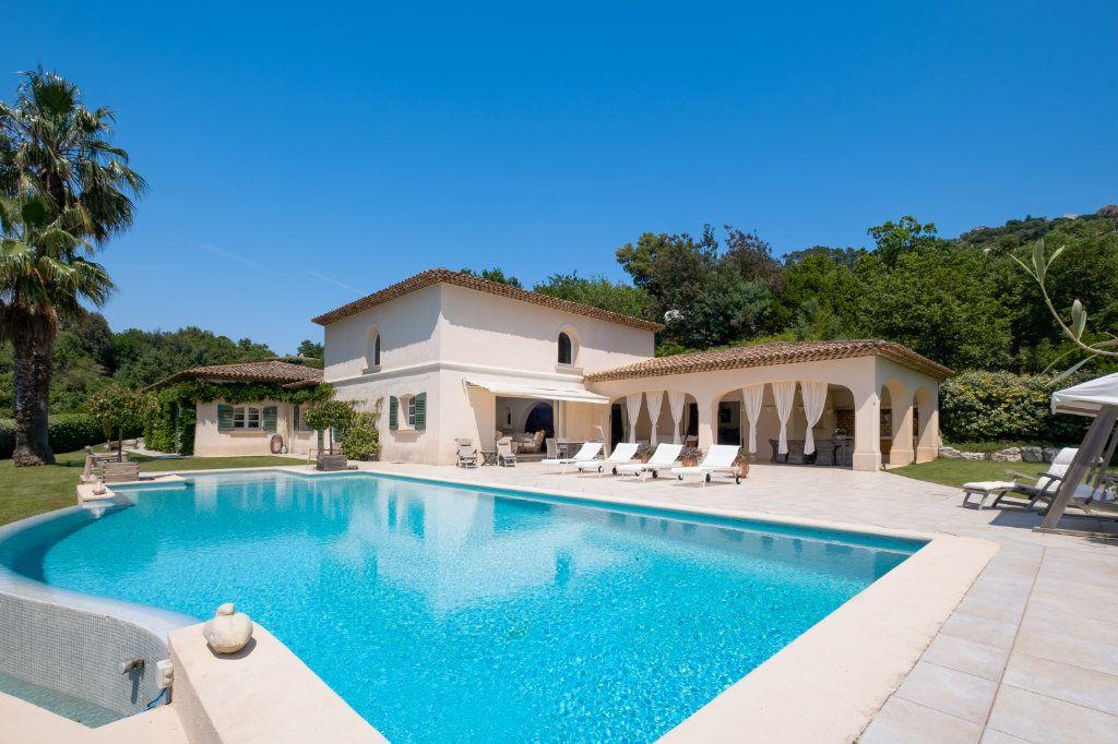 Maison à vendre 11 390m2 à Fréjus vignette-2