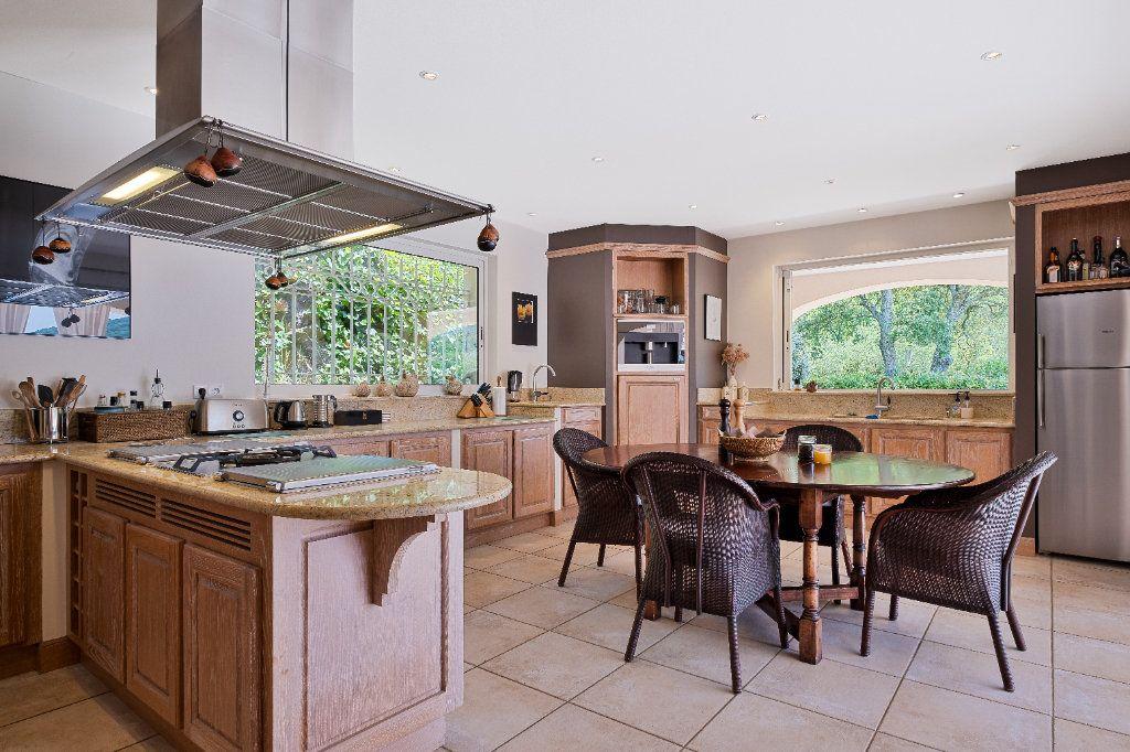 Maison à vendre 11 390m2 à Fréjus vignette-9