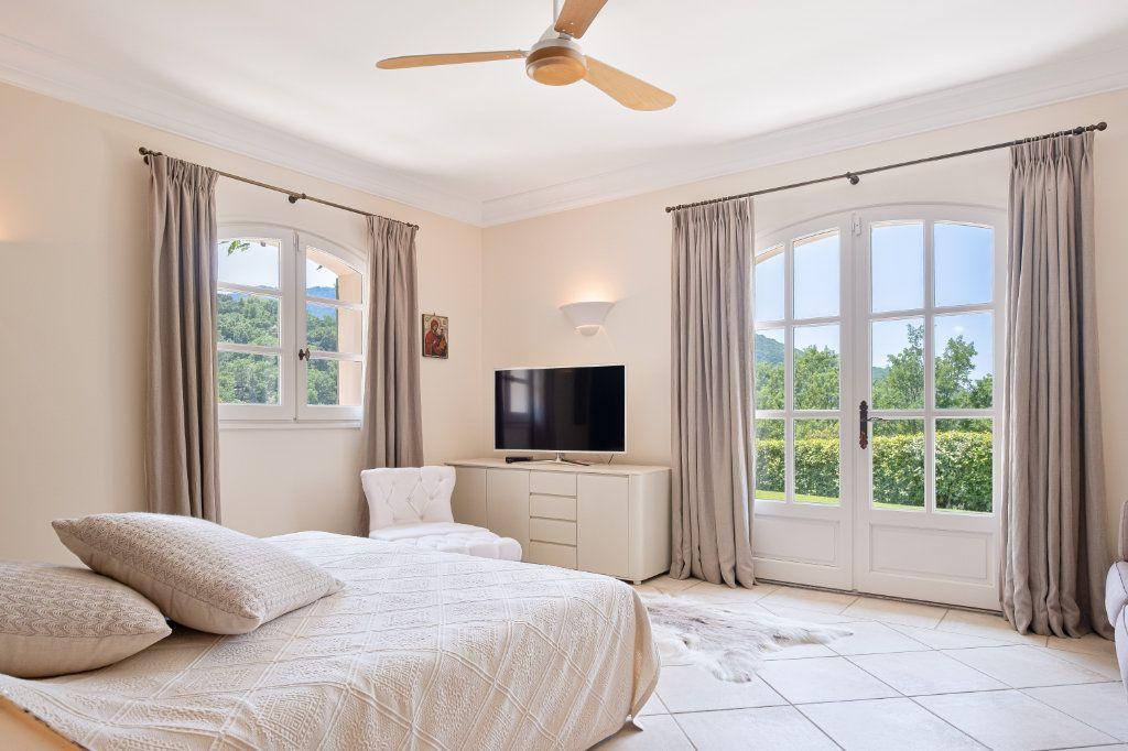 Maison à vendre 11 390m2 à Fréjus vignette-10