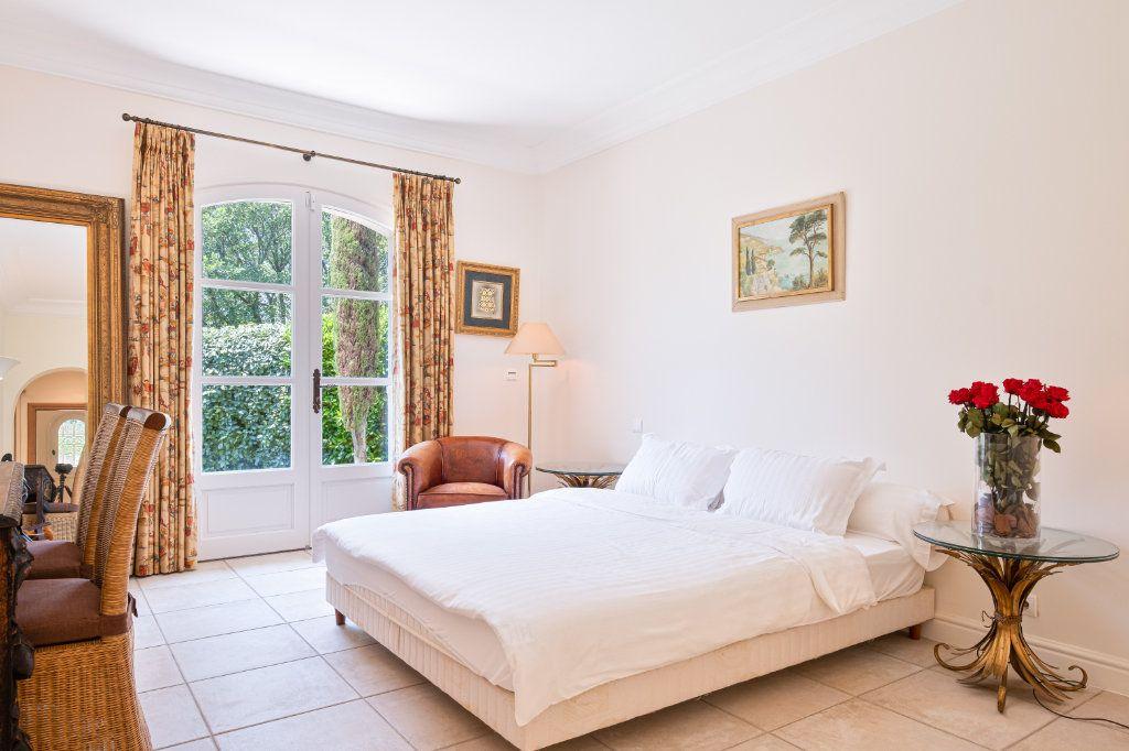 Maison à vendre 11 390m2 à Fréjus vignette-12