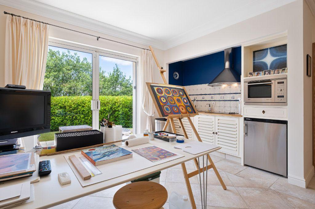 Maison à vendre 11 390m2 à Fréjus vignette-13