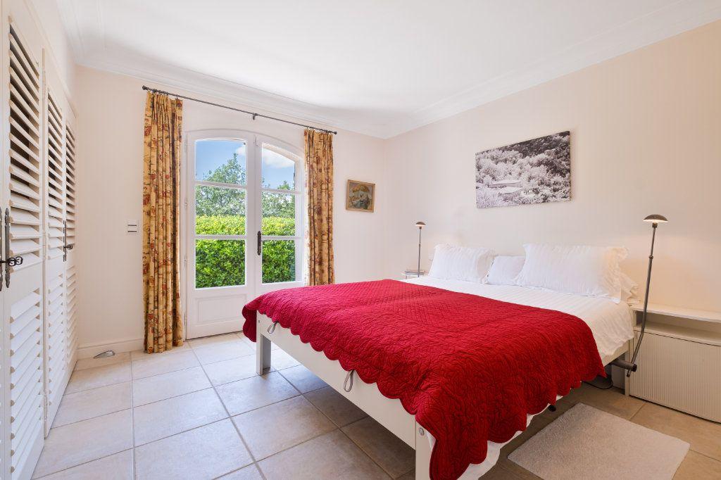 Maison à vendre 11 390m2 à Fréjus vignette-14