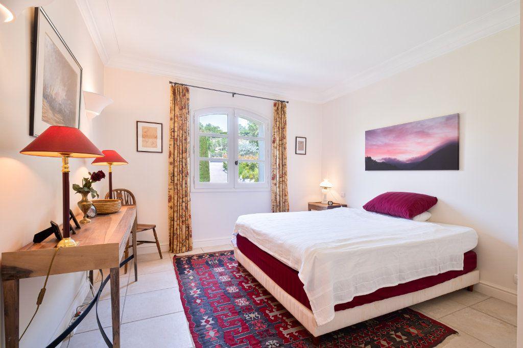 Maison à vendre 11 390m2 à Fréjus vignette-15