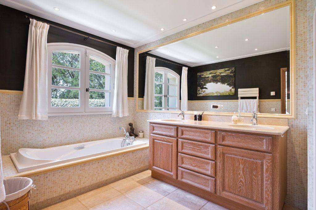 Maison à vendre 11 390m2 à Fréjus vignette-16