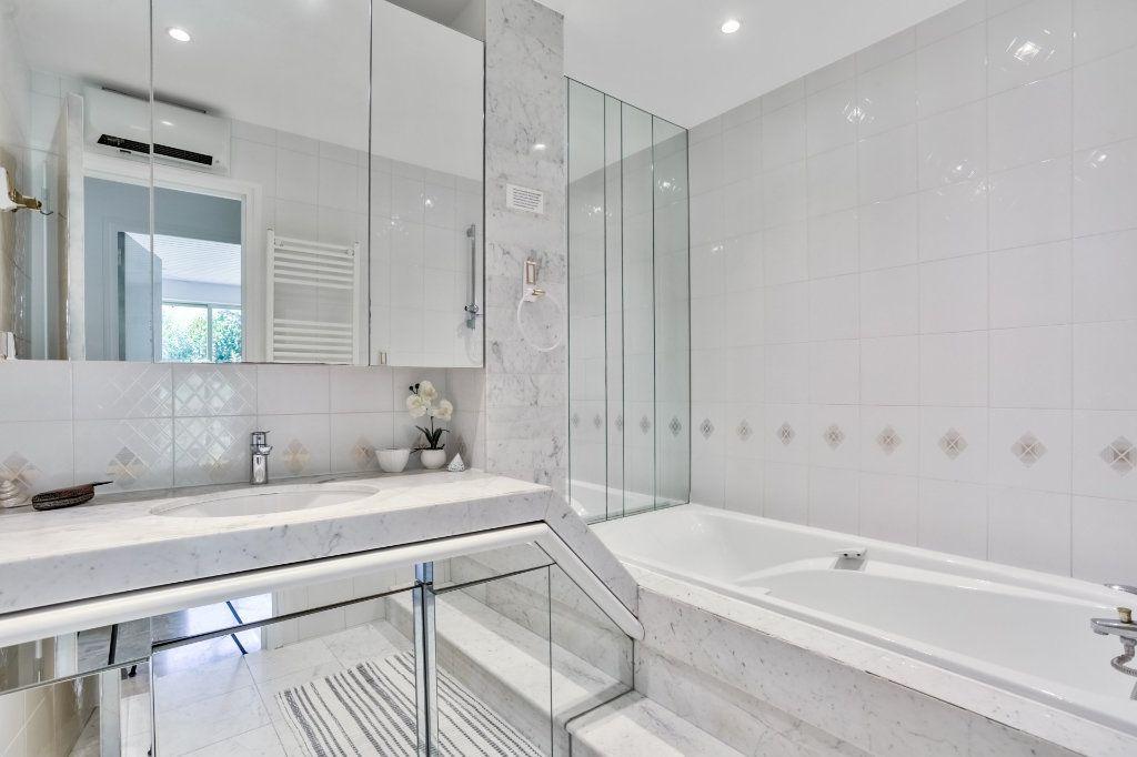 Appartement à vendre 3 73.72m2 à Mandelieu-la-Napoule vignette-8