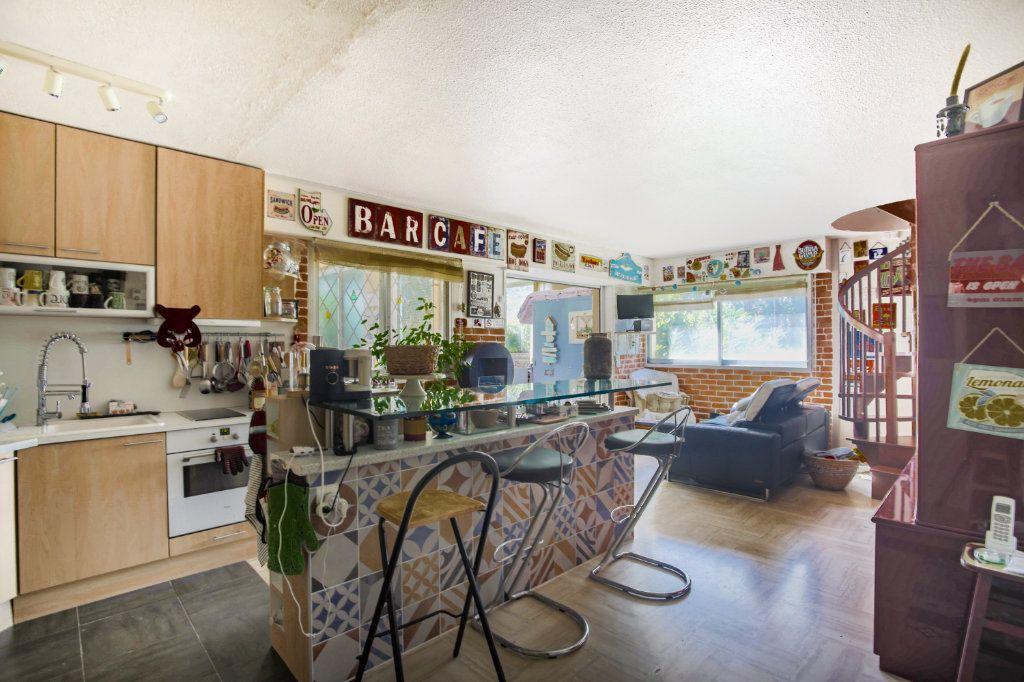 Appartement à vendre 3 80.06m2 à Mandelieu-la-Napoule vignette-4
