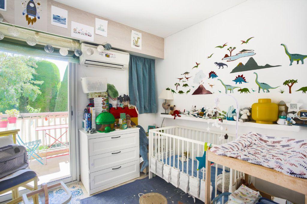 Appartement à vendre 3 80.06m2 à Mandelieu-la-Napoule vignette-9