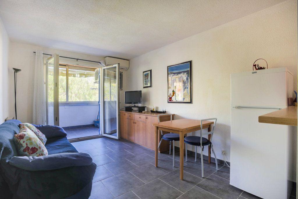 Appartement à vendre 2 34.79m2 à Mandelieu-la-Napoule vignette-2