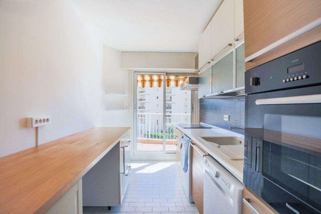 Appartement à louer 2 61m2 à Mandelieu-la-Napoule vignette-6