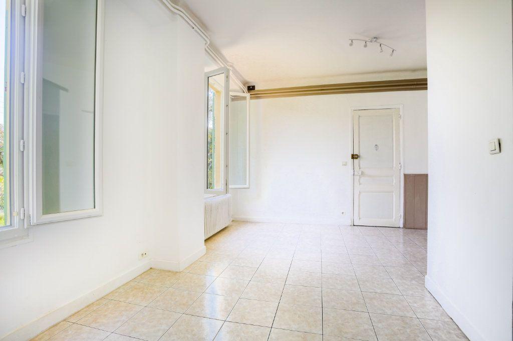 Appartement à louer 1 36.61m2 à Le Cannet vignette-1