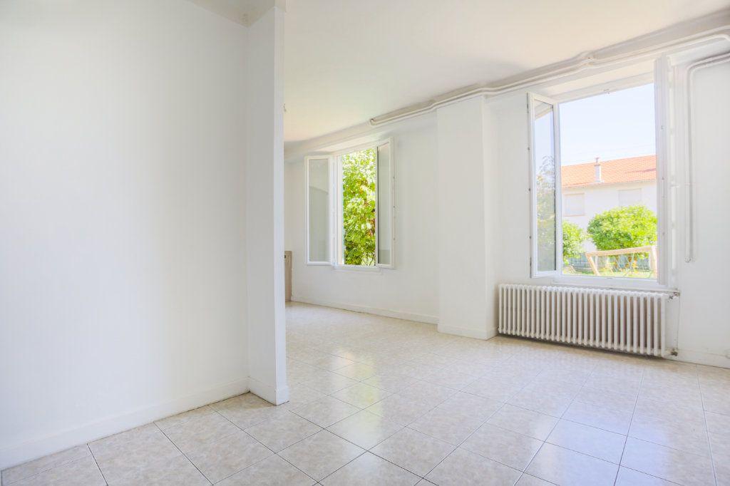 Appartement à louer 1 36.61m2 à Le Cannet vignette-3